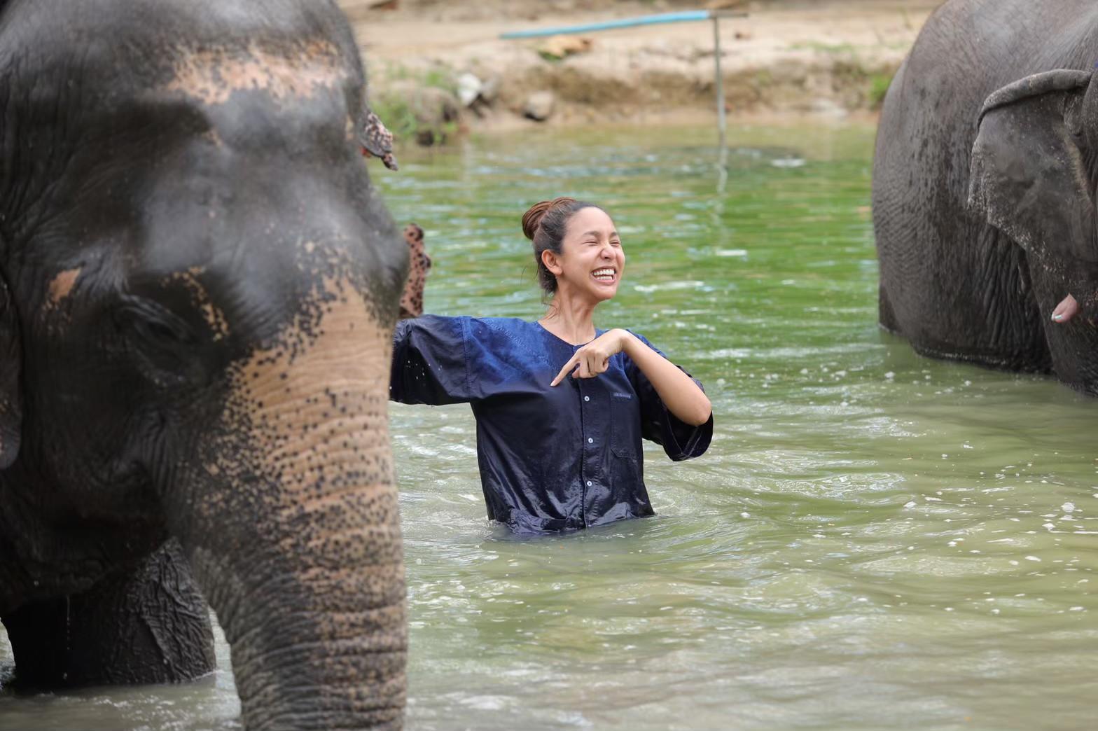 อาบน้ำกับช้าง_200103_0013